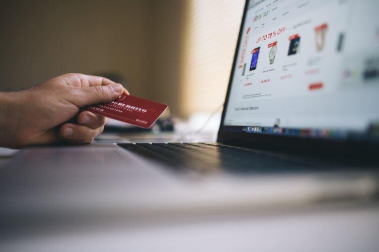 Potencia las ventas de tu ecommerce con un Bot-commerce